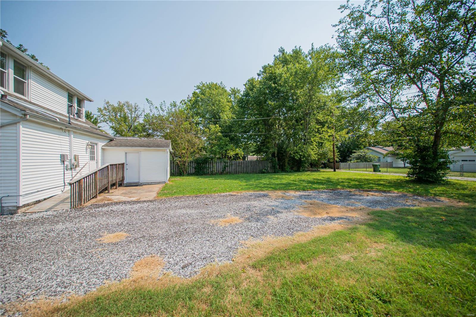 2123 Clarke Street Property Photo 31