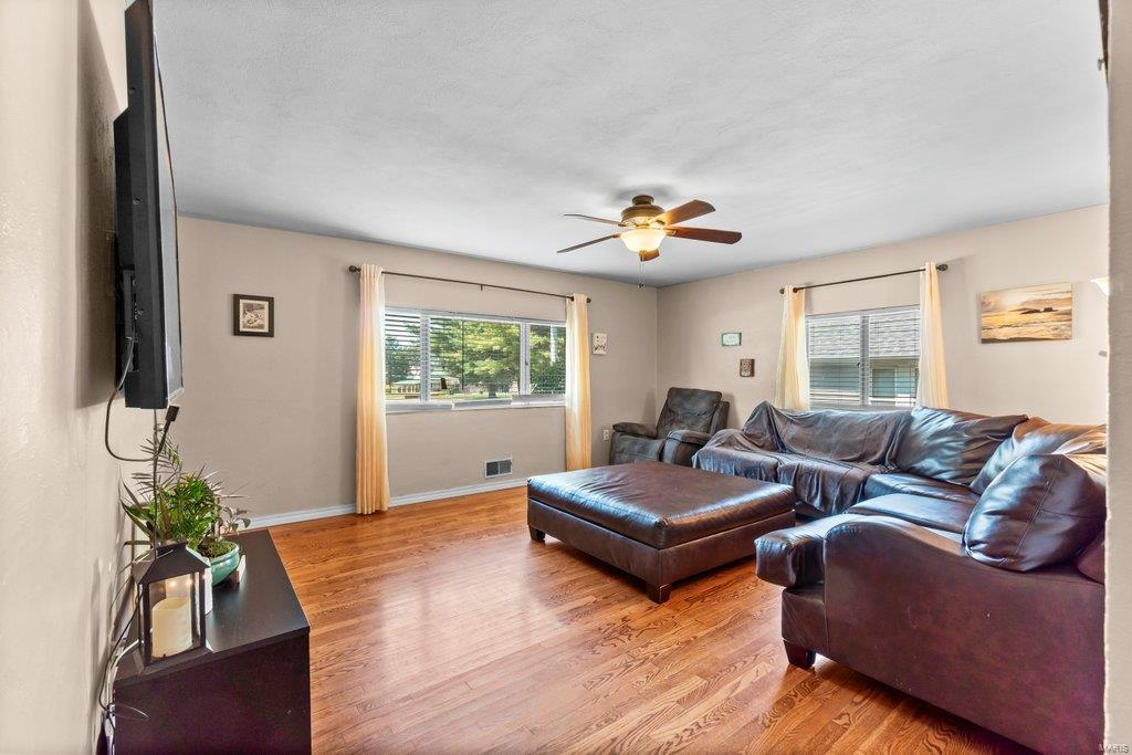307 S Main Property Photo 13