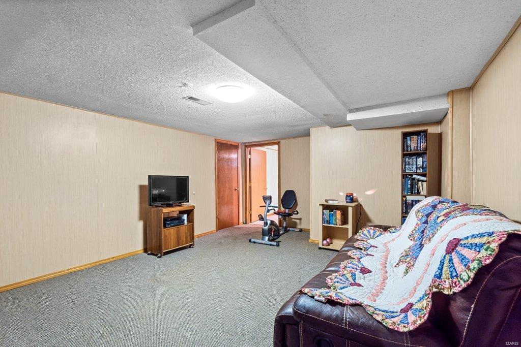 307 S Main Property Photo 21