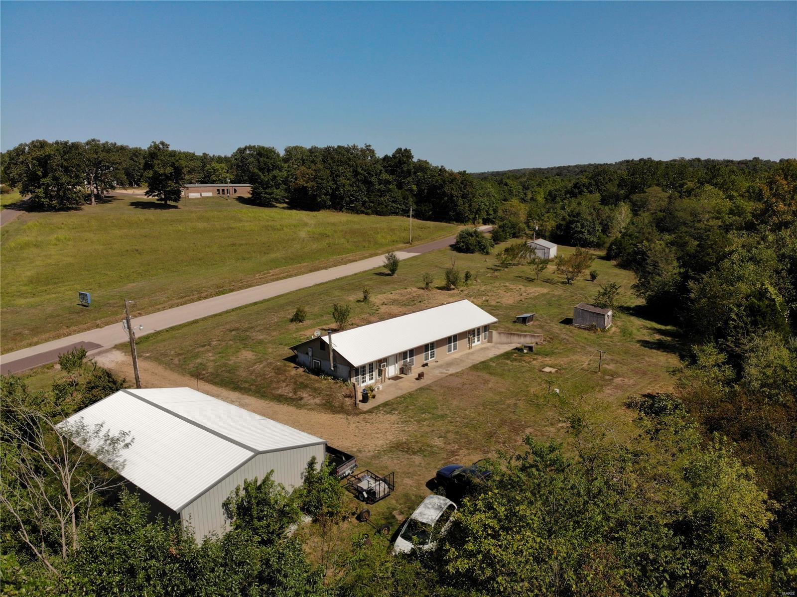 8796 Red Oak Road Property Photo
