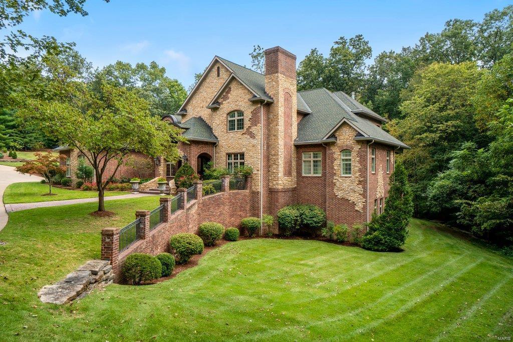 139 Flagstone Property Photo 3