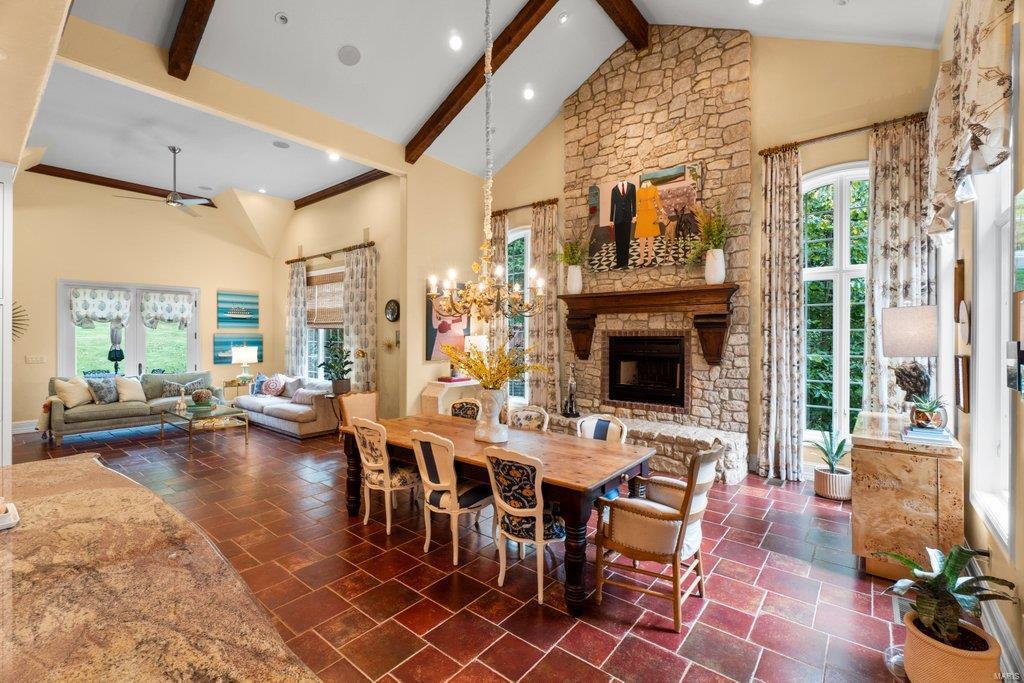 139 Flagstone Property Photo 6