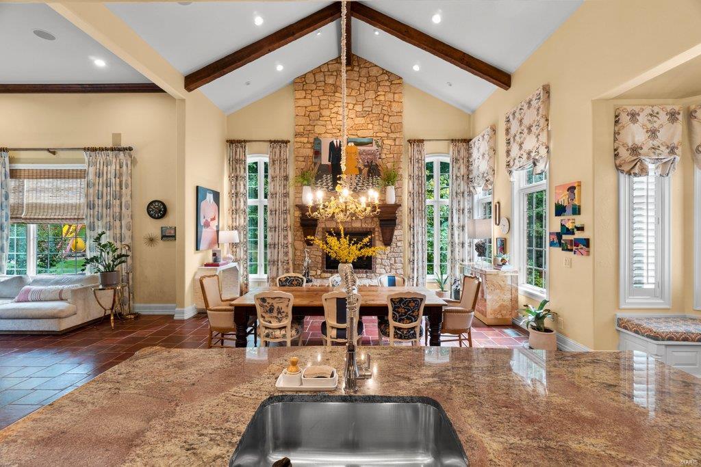 139 Flagstone Property Photo 9