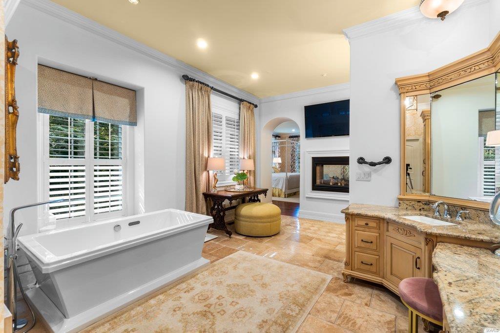 139 Flagstone Property Photo 22