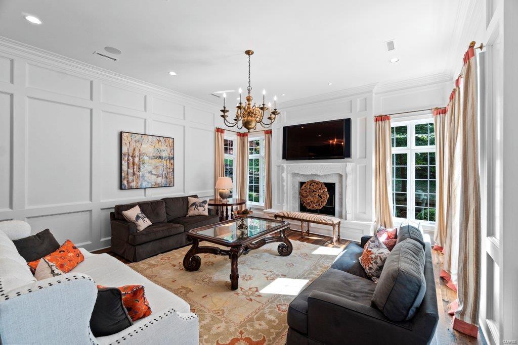 139 Flagstone Property Photo 44