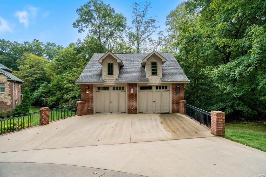 139 Flagstone Property Photo 59