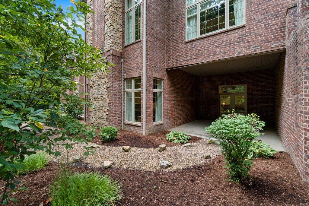 139 Flagstone Property Photo 63
