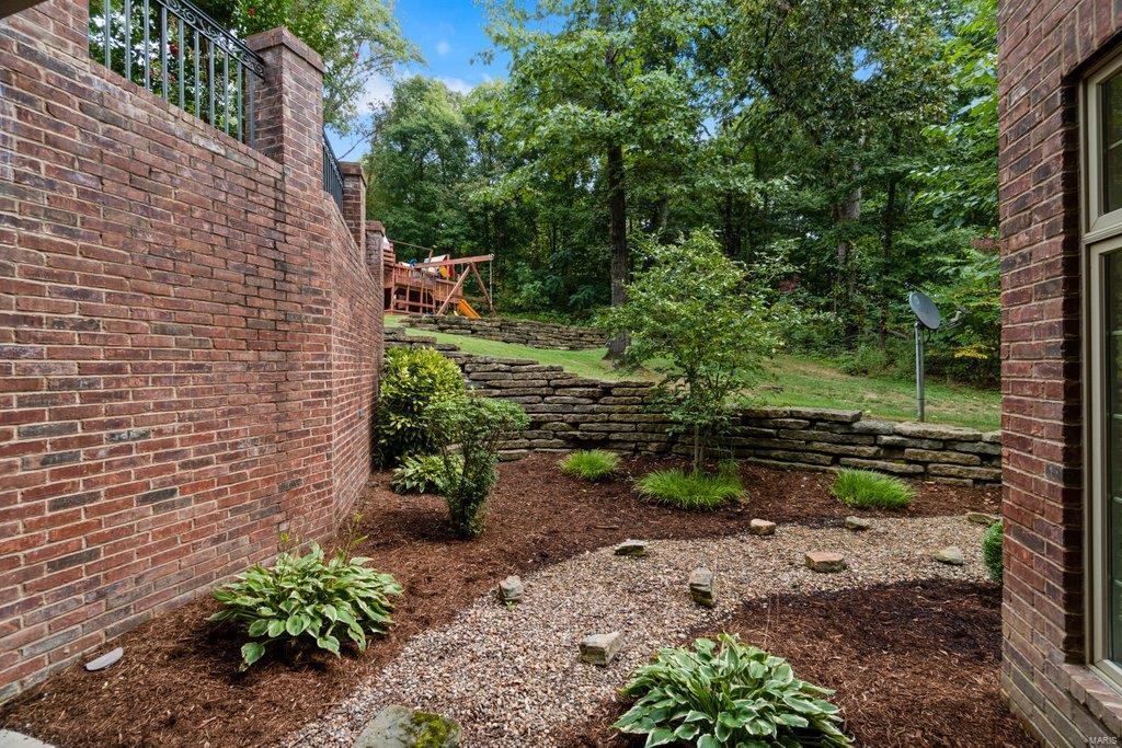 139 Flagstone Property Photo 64