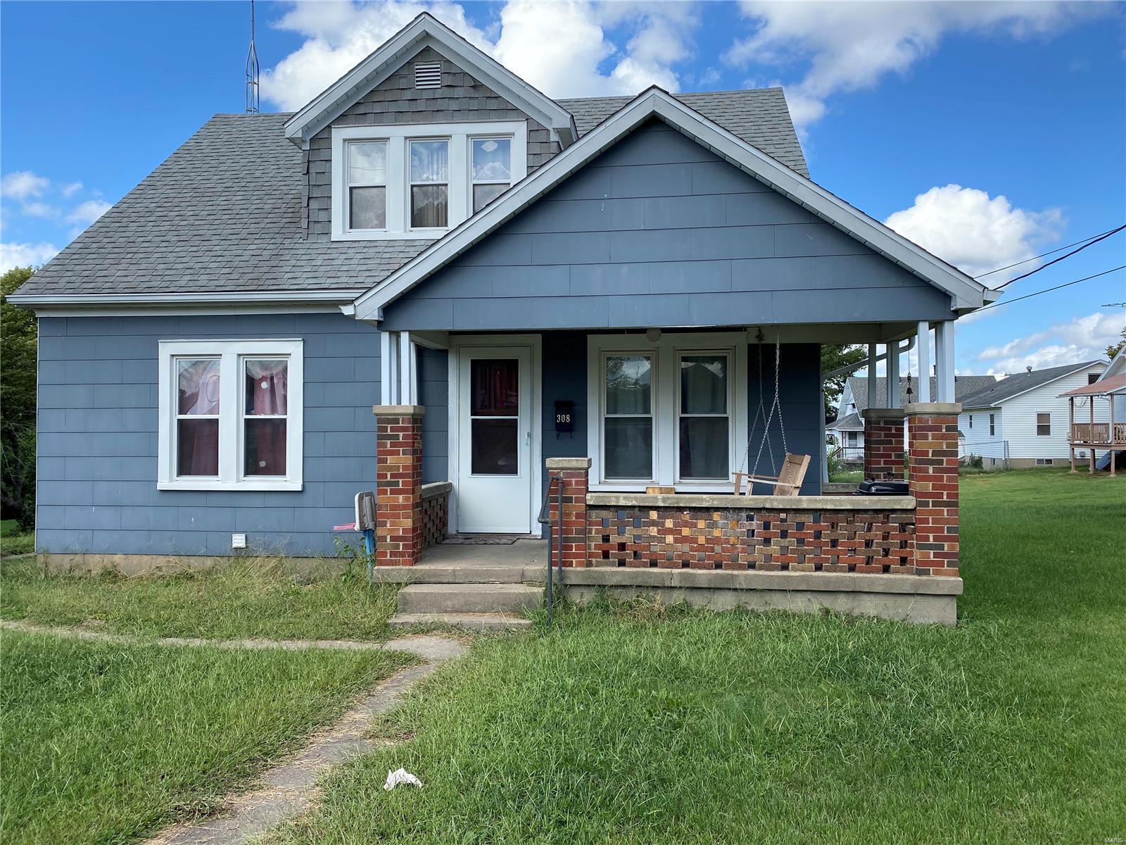 308 Grand Avenue Property Photo 1