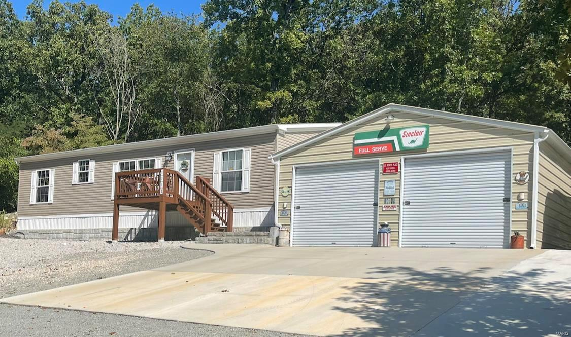 6219 Shawnee Drive Property Photo 1