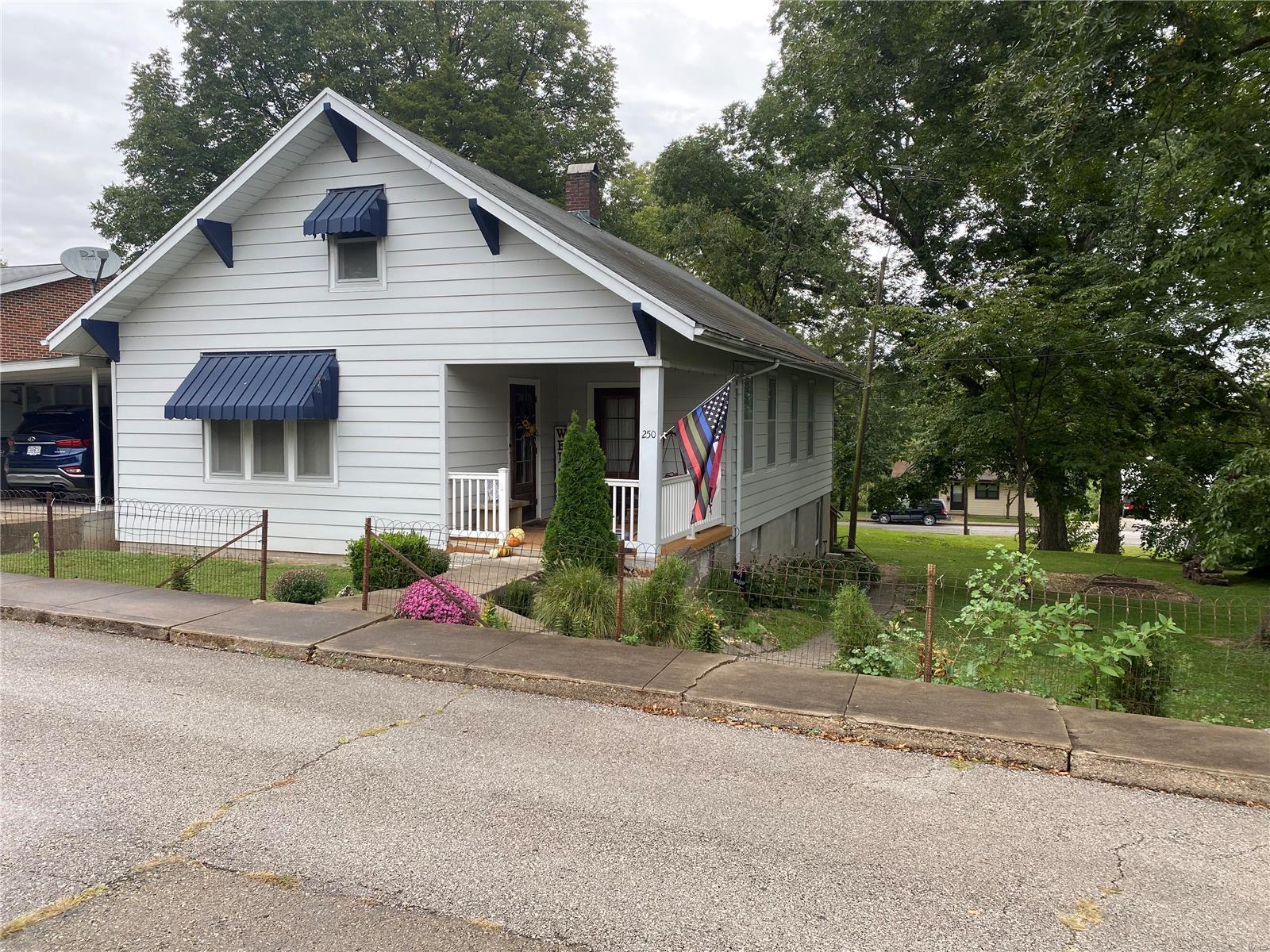 250 Academy Street Property Photo 1