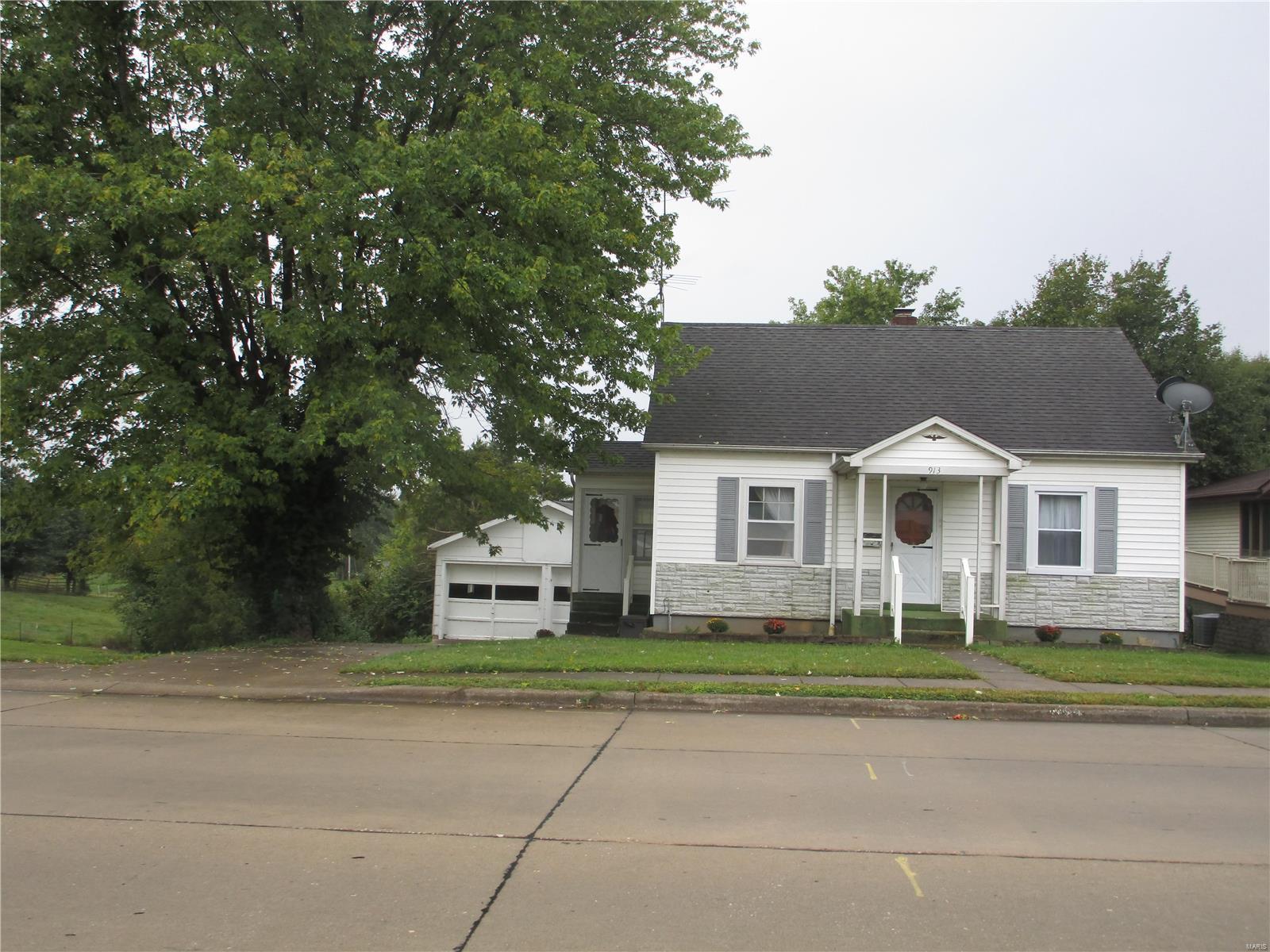 913 Edgemont Boulevard Property Photo 1