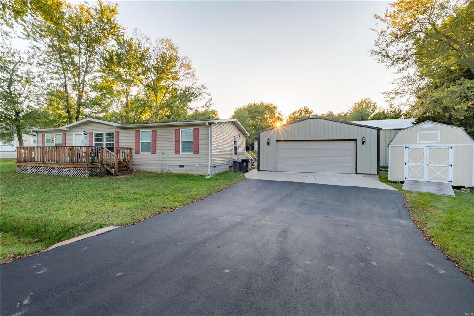 11750 Pinewood Drive Property Photo 1