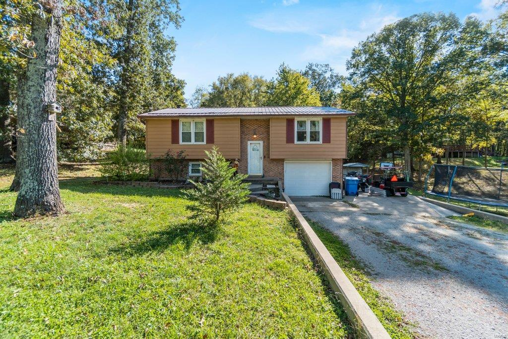 211 Tanglewood Drive Property Photo 1