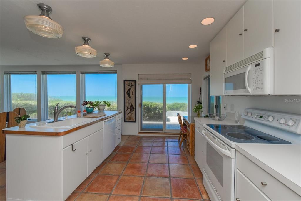 410, 411, 401 N Casey Key Road Property Photo 30