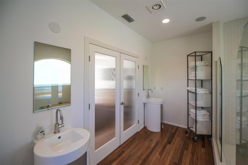 410, 411, 401 N Casey Key Road Property Photo 48