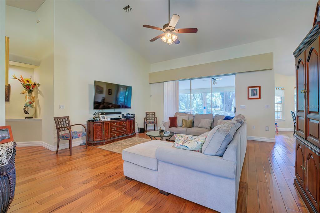 1289 Cr 542e Property Photo 1