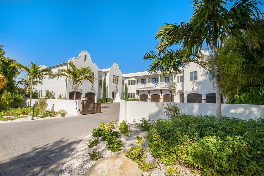100 Beach Avenue Property Photo 1