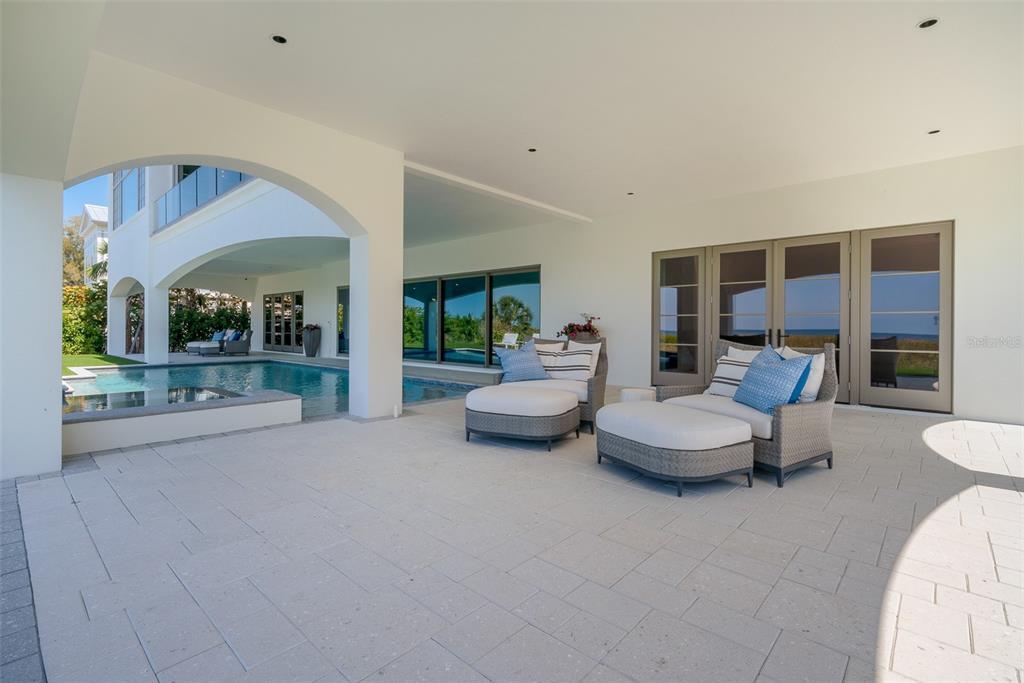 100 Beach Avenue Property Photo 17