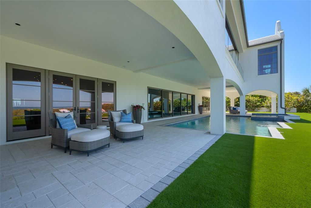 100 Beach Avenue Property Photo 19