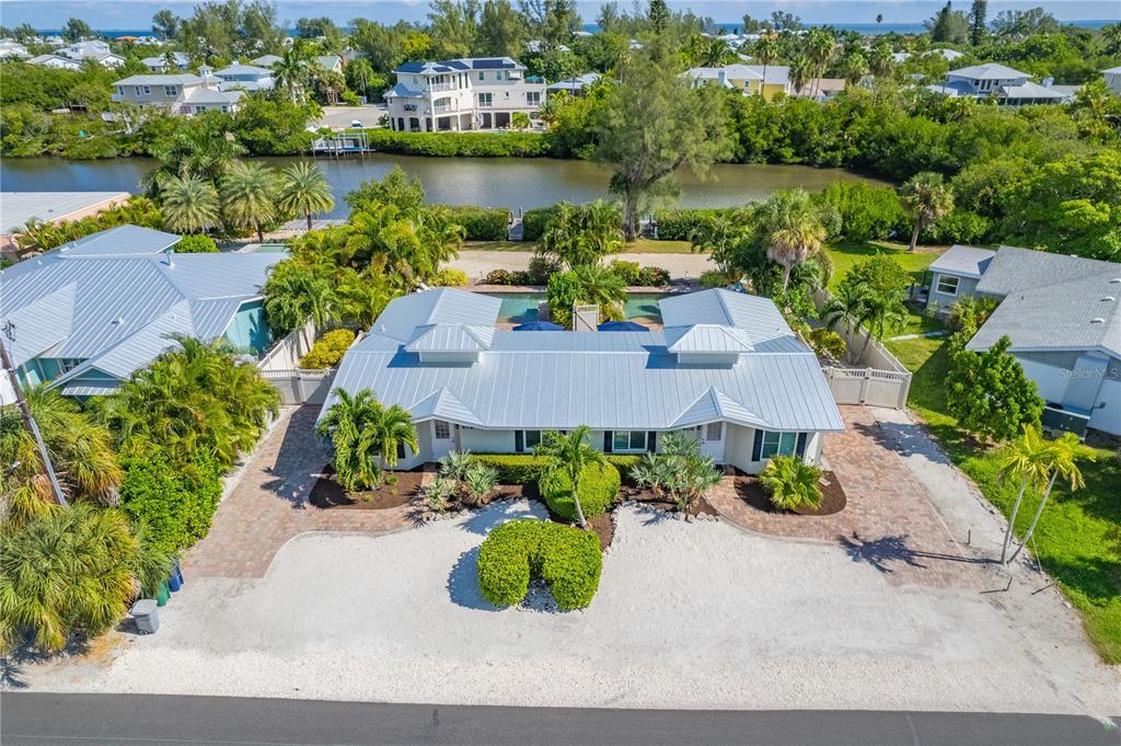 406 N Shore Drive Property Photo 1