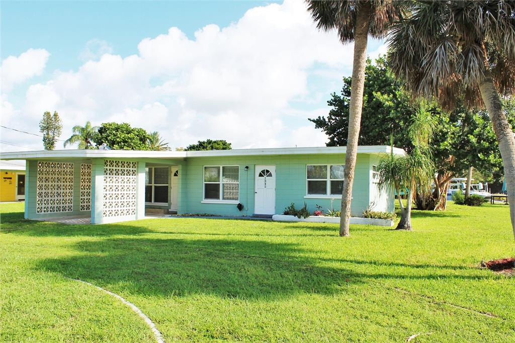 1345 Holiday Drive Property Photo 1