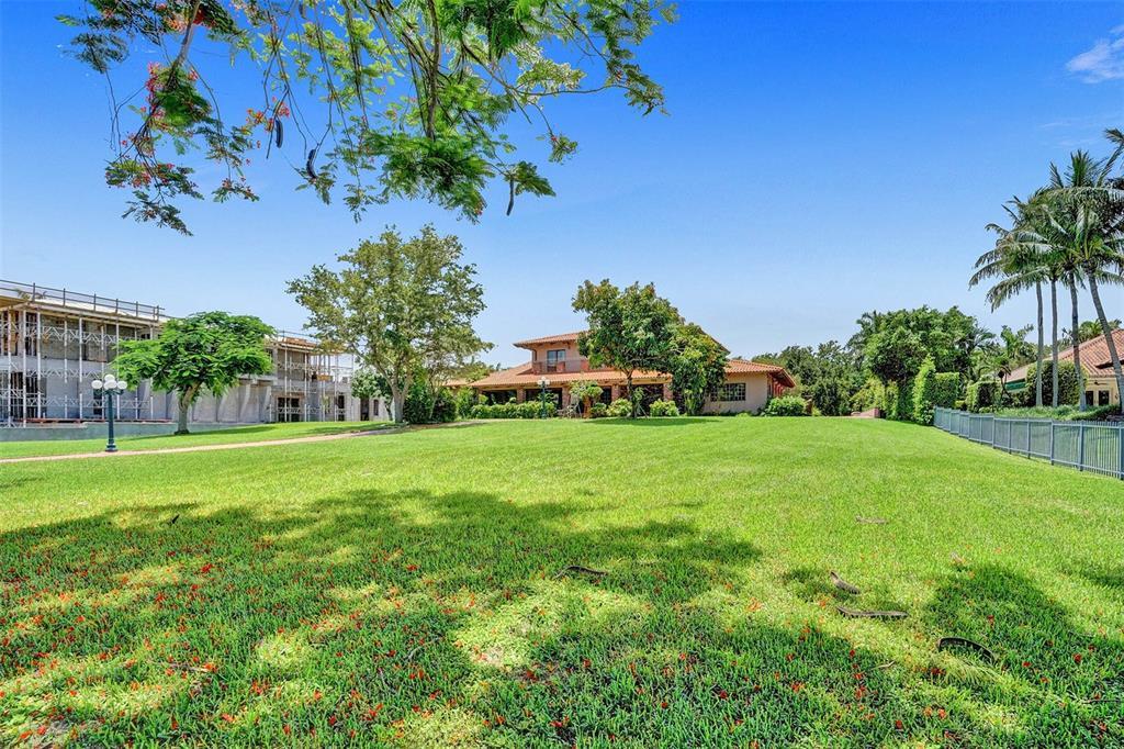 401 Leucadendra Drive Property Photo 16