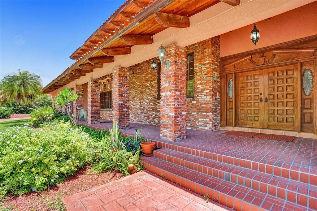 401 Leucadendra Drive Property Photo 21