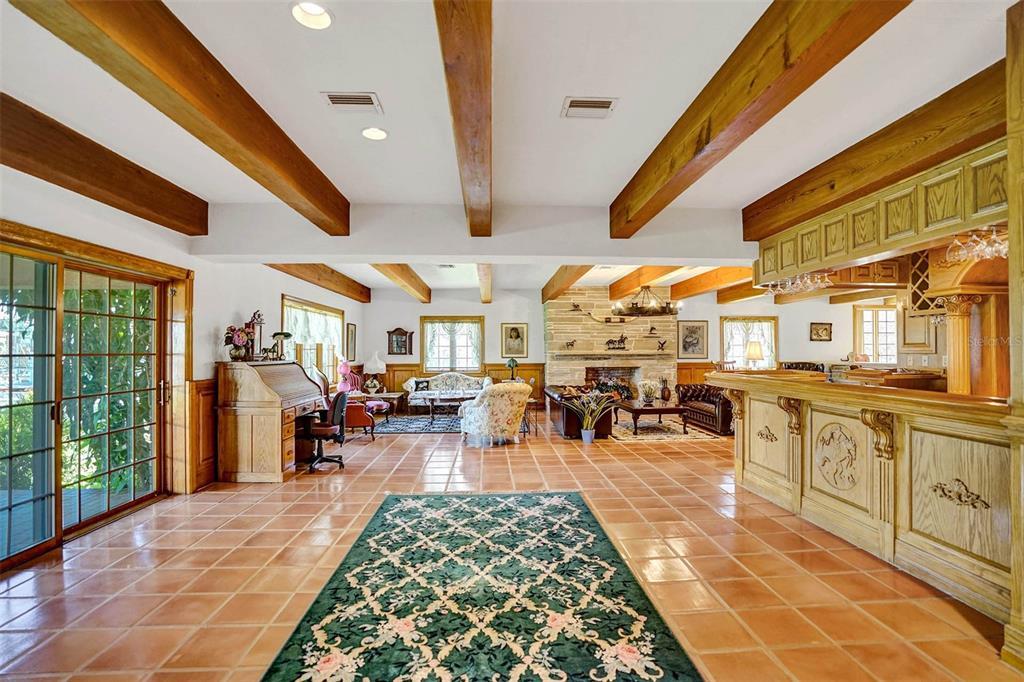 401 Leucadendra Drive Property Photo 27