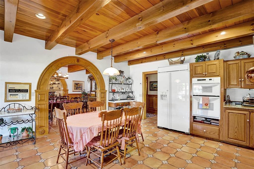 401 Leucadendra Drive Property Photo 35