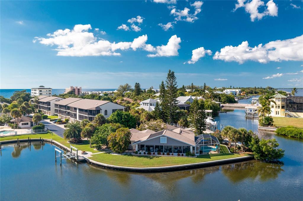 2765 N Beach Road Property Photo 1