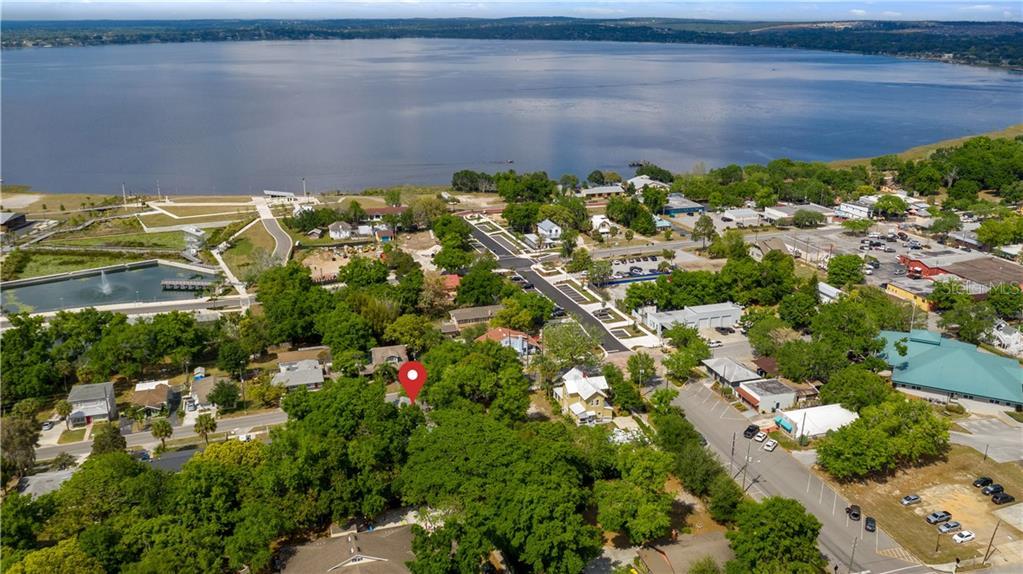 931 W Montrose Street Property Photo 6