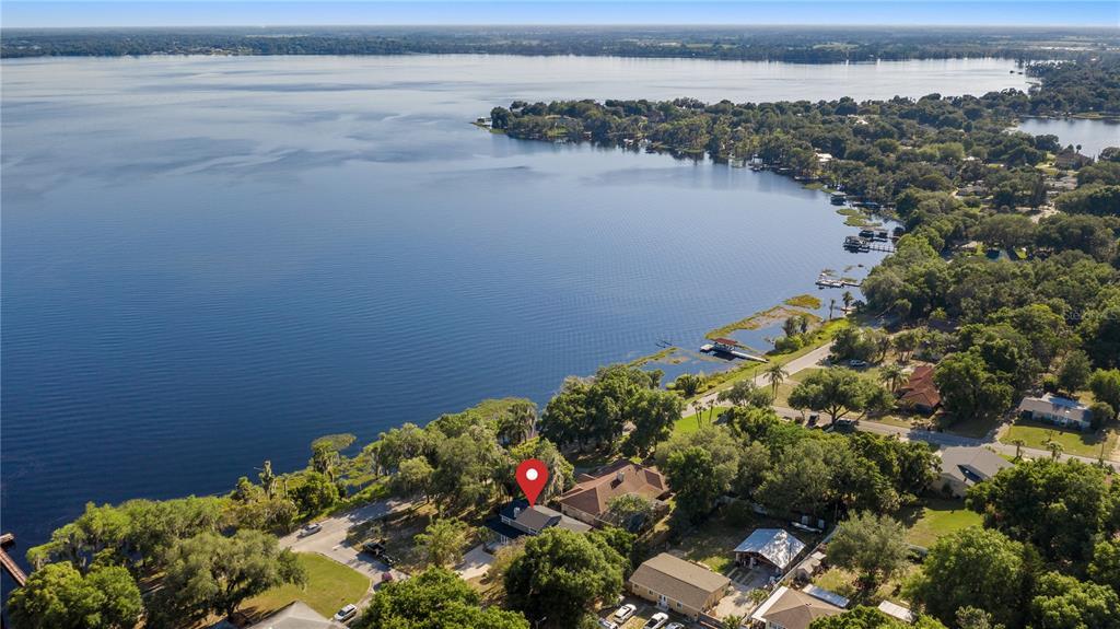 218 W Lakeshore Drive Property Photo 9