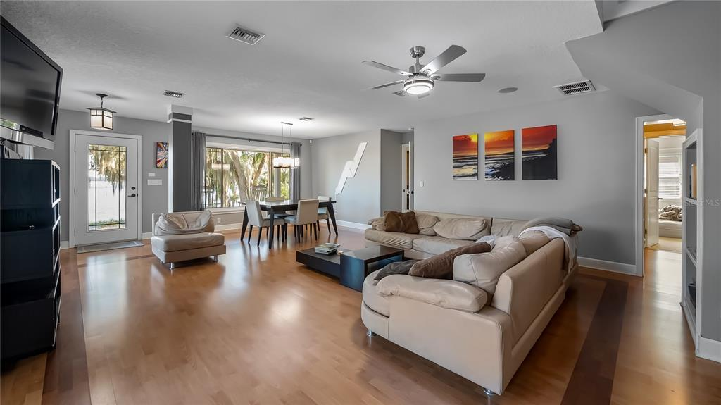 218 W Lakeshore Drive Property Photo 13