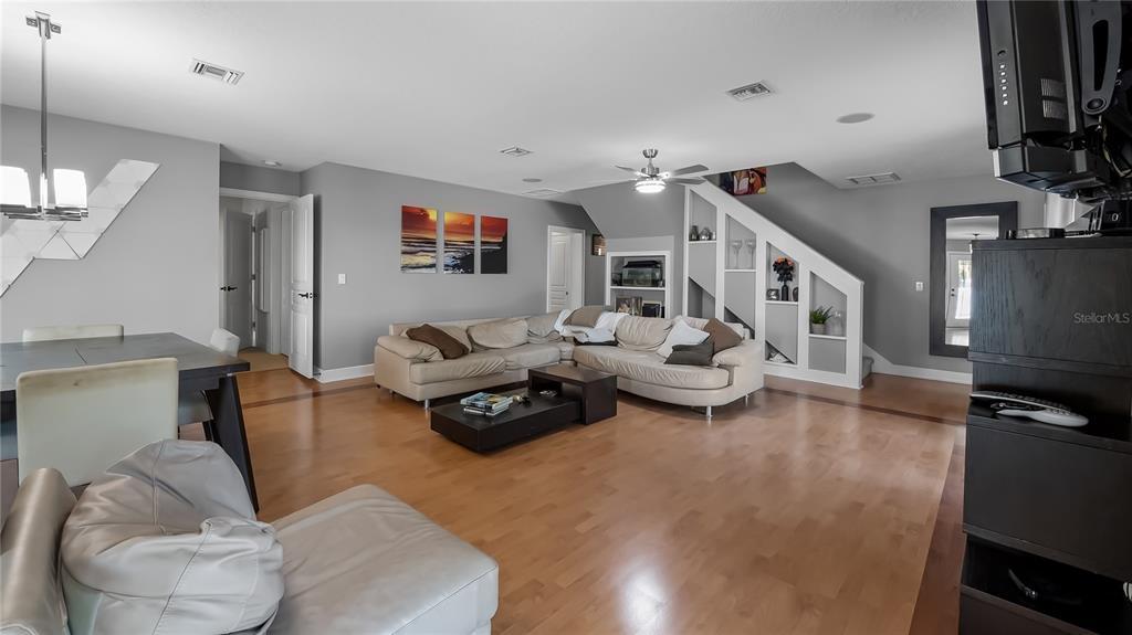 218 W Lakeshore Drive Property Photo 15