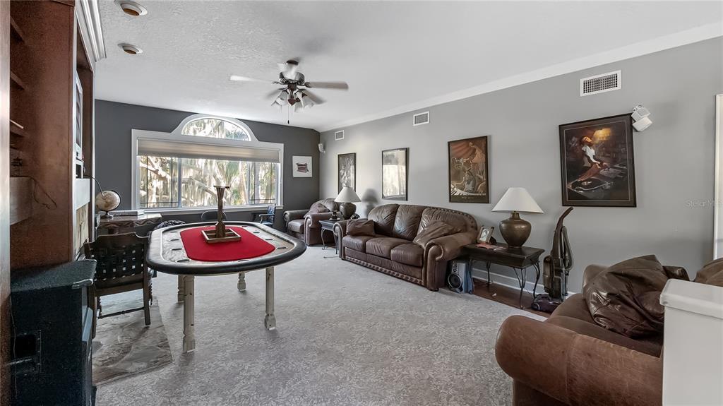 218 W Lakeshore Drive Property Photo 17