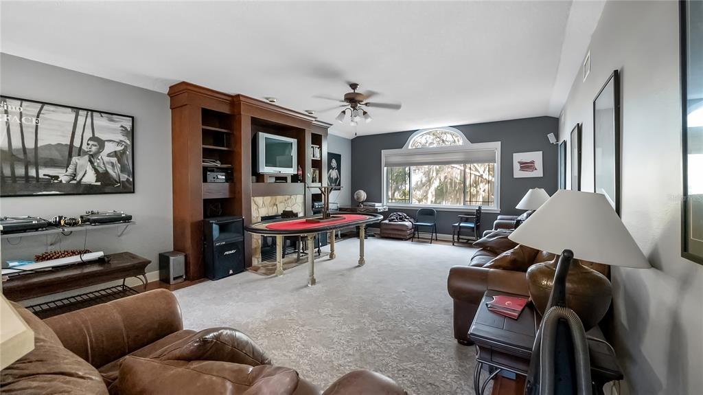 218 W Lakeshore Drive Property Photo 18