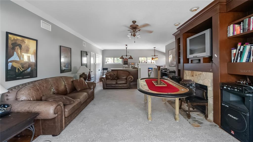 218 W Lakeshore Drive Property Photo 19