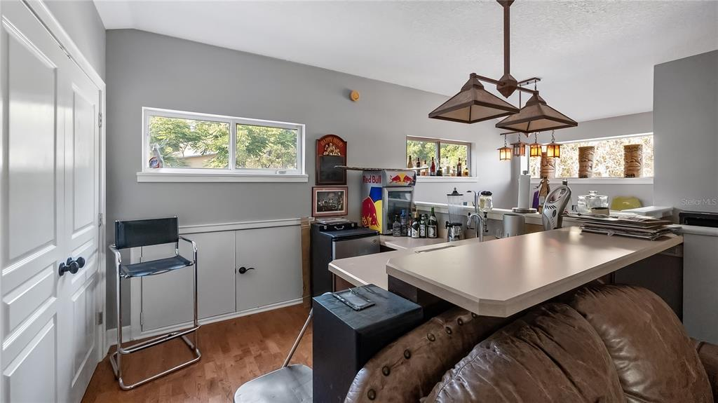 218 W Lakeshore Drive Property Photo 26