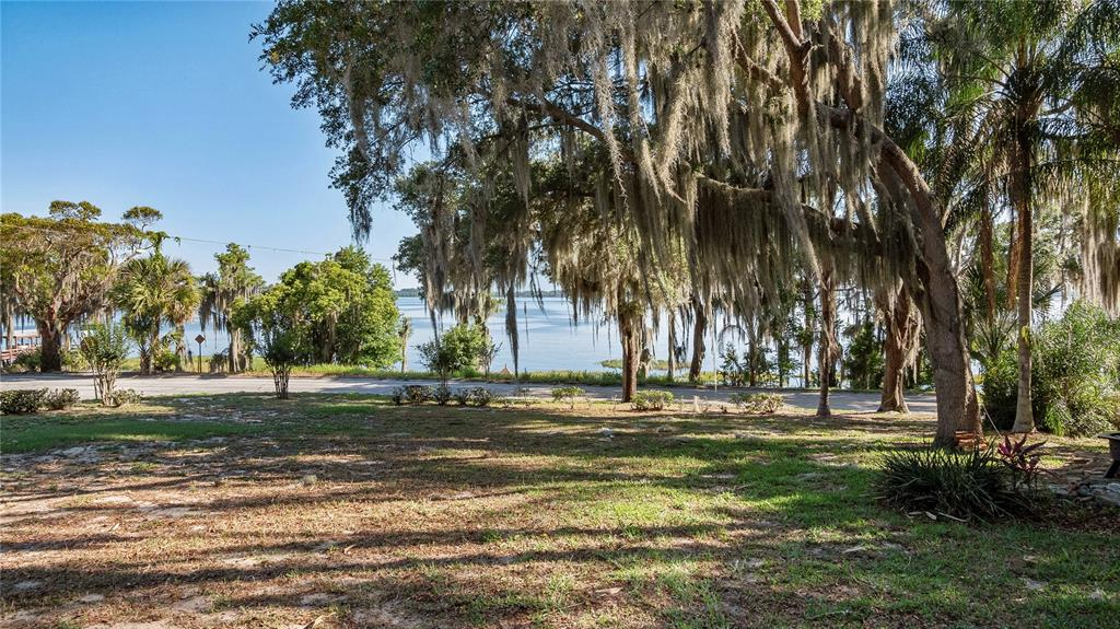 218 W Lakeshore Drive Property Photo 35