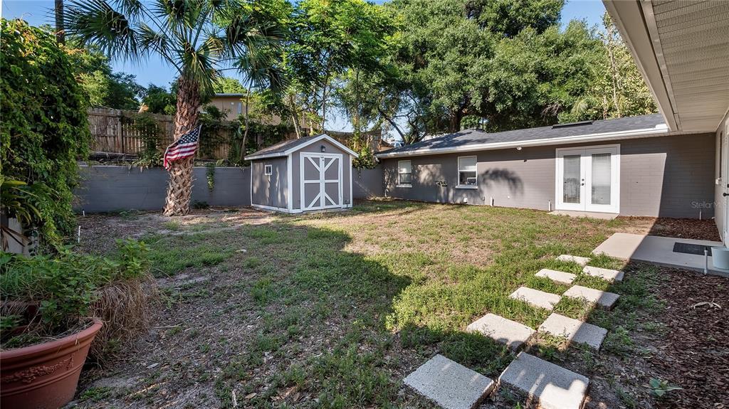 218 W Lakeshore Drive Property Photo 37