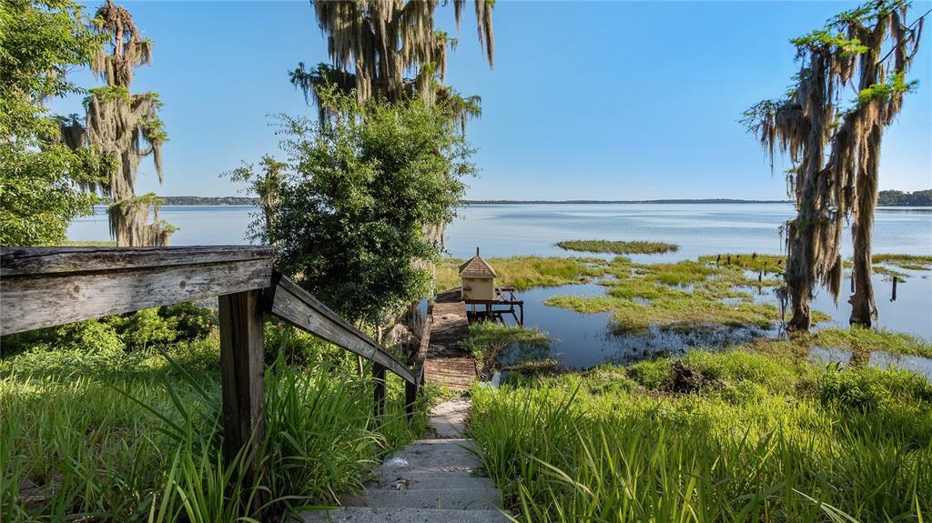 218 W Lakeshore Drive Property Photo 43