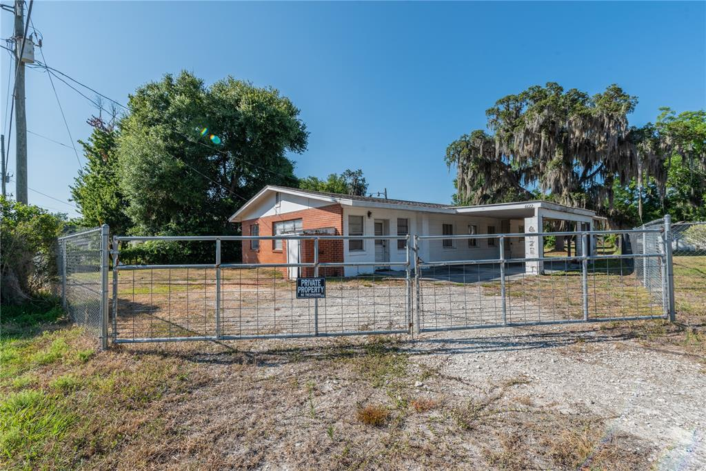 6622 E State Road 44 Property Photo 2