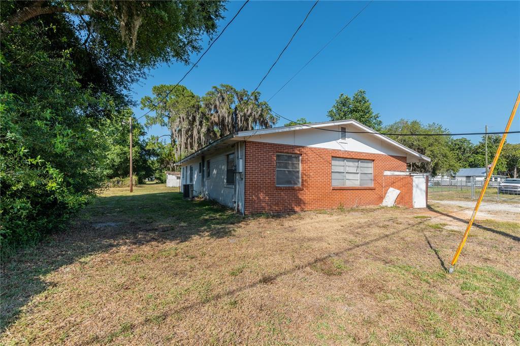6622 E State Road 44 Property Photo 3
