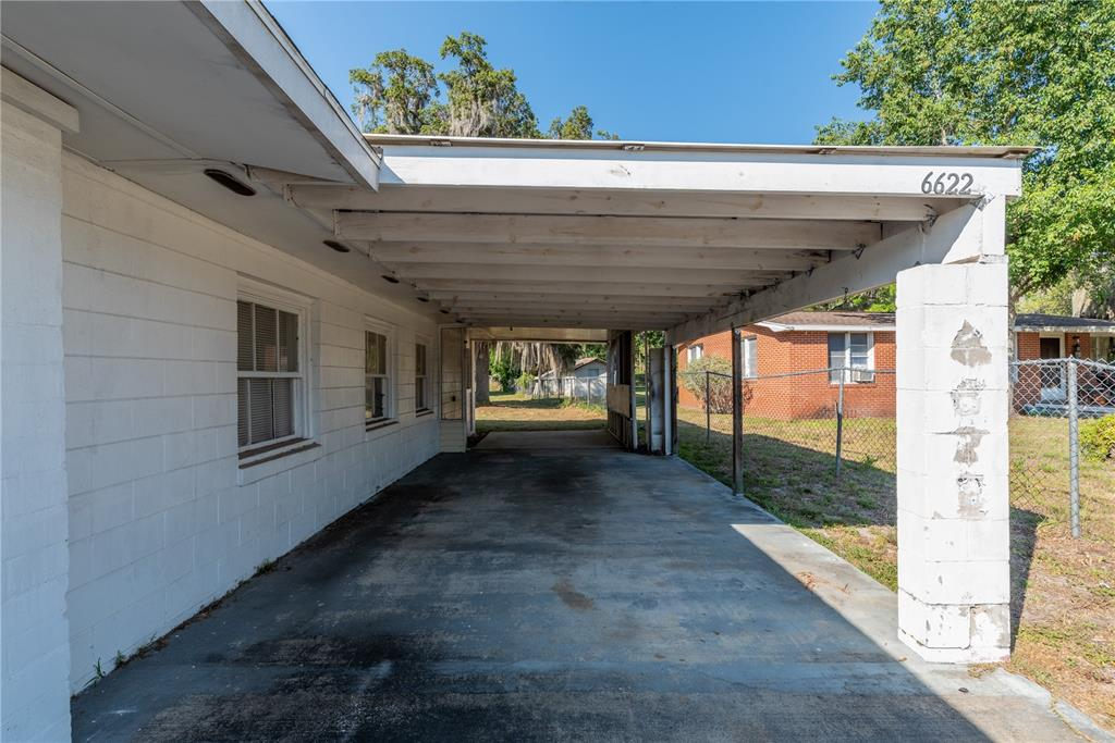 6622 E State Road 44 Property Photo 9