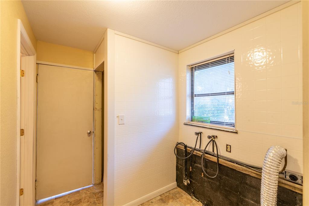 6622 E State Road 44 Property Photo 26