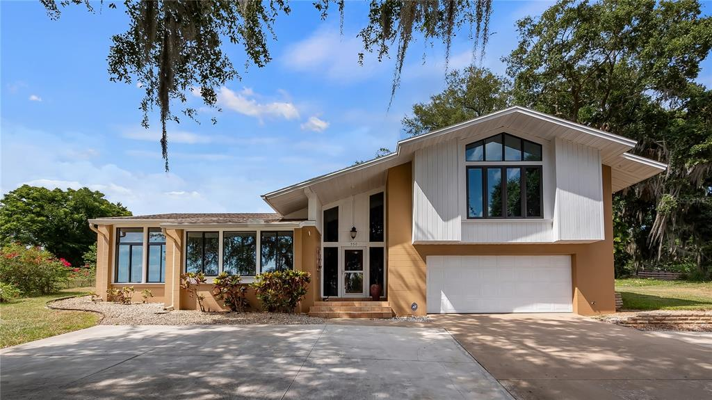550 E Lakeshore Drive Property Photo 1