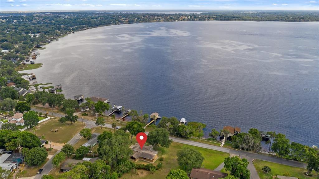 550 E Lakeshore Drive Property Photo 6