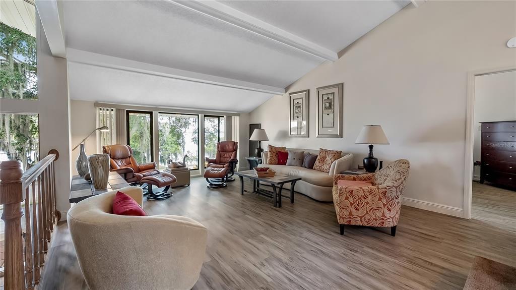 550 E Lakeshore Drive Property Photo 10