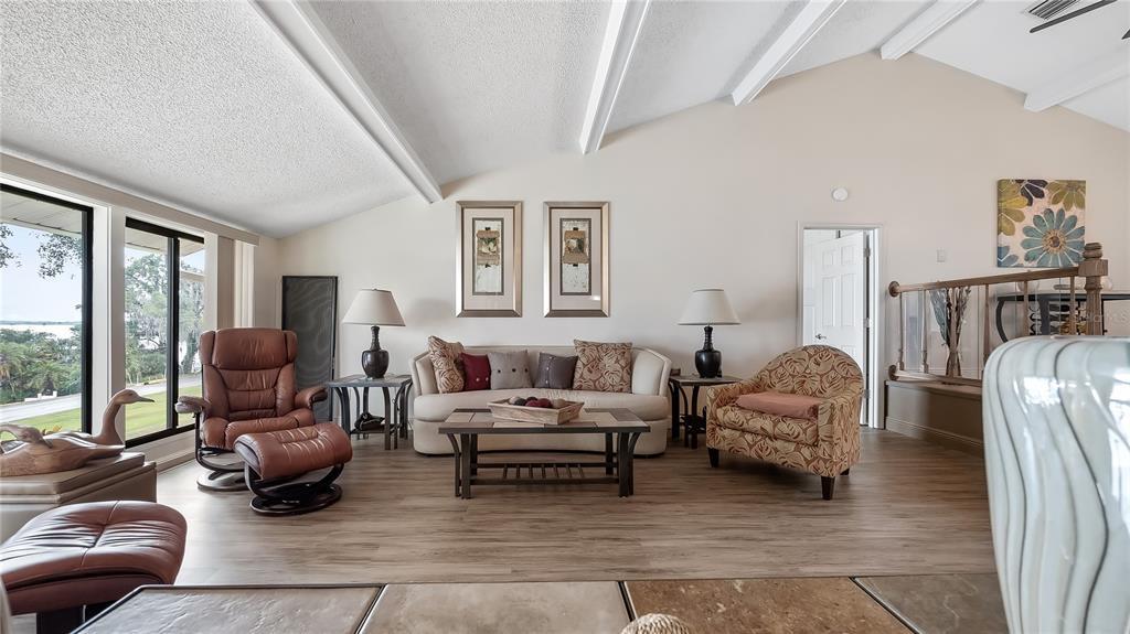 550 E Lakeshore Drive Property Photo 11